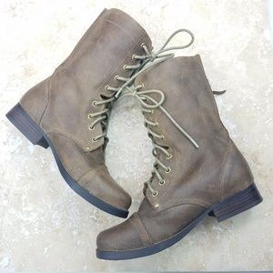 Aldo Aukes Taupe Suede Leather Combat Boots 9-eye